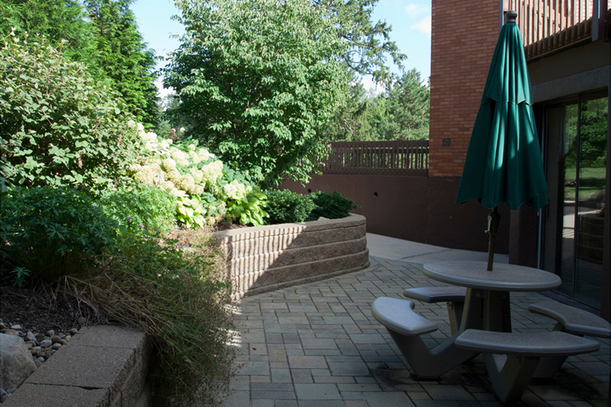 img_2246 front patio 2 5_333